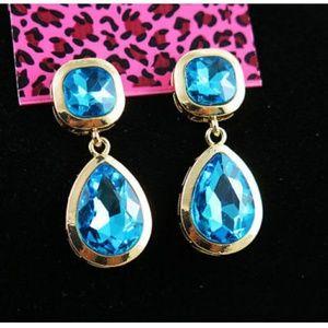 Betsey Johnson Tear drop earrings
